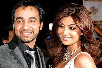 Shilpa's Ex-Files - Open The Magazine