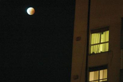 rear-window-moon