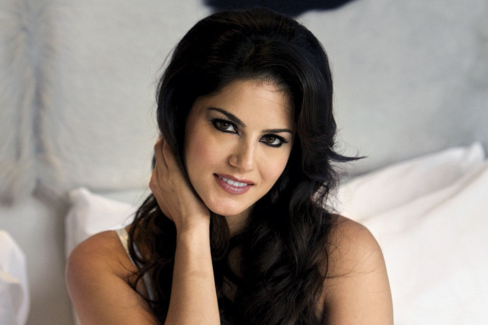 Sunny Leone Dream Girl Redefined - Open The Magazine-5280