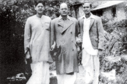 Subhas Chandra Bose with his nephews Amiya and Sisir (right), 1936