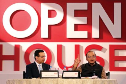 RP-Sanjiv Goenka Group Chairman Sanjiv Goenka and Union Finance Minister Arun Jaitley