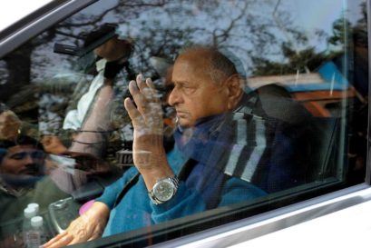 Samajwadi Party leader Mulayam Singh Yadav leaves his residence after addressing his supporters on January 16, 2017 in Lucknow