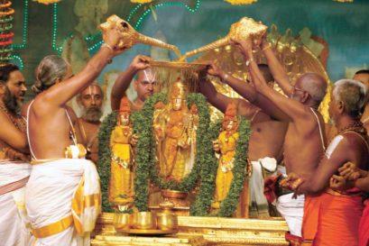 Snapna Thirumanjanam, the bathing ritual at Tirumala on the first day of the spring festival