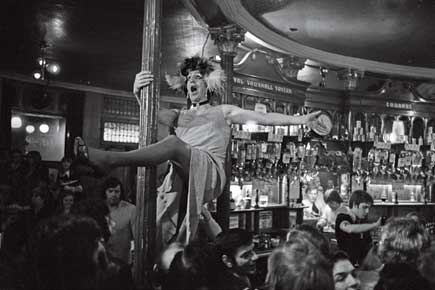 A drag show at the Royal Vauxhall Tavern pub, 1976 (Photo: Alamy)