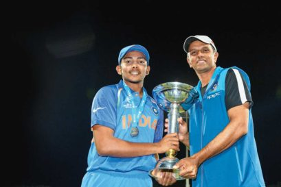 Coach Dravid and captain Prithvi Shaw (left) after the win in Tauranga