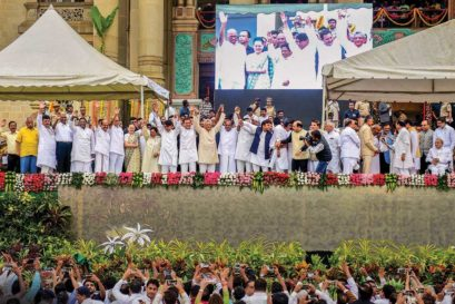 Opposition leaders at the swearing-in ceremony of Karnataka Chief Minister HD Kumaraswamy in Bengaluru on May 23