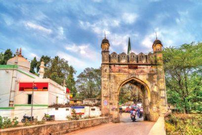 Masjid Jamil Baig stands next to Mahmud Darwaza, one of 52 gates in Aurangabad