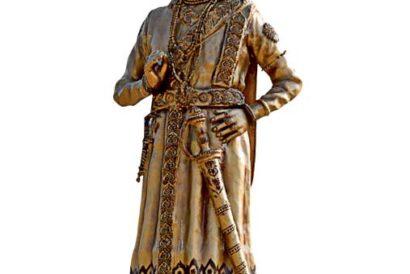 A statue of Krishnadeva Raya in Anegundi village, Karnataka