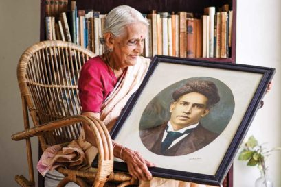 Parvathi Thampi with a  photograph of her grandfather  C Sankaran Nair