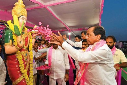 K Chandrasekhar Rao at a rally in Nalgonda where his party claims to have improved access to drinking water