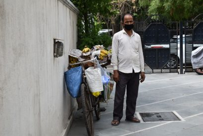 With Covid-19 reaching Azadpur Mandi, a fruit seller shares his challenges, fears