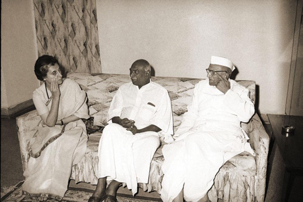 INDIRA GANDHI'S REVOLT AGAINST THE SYNDICATE